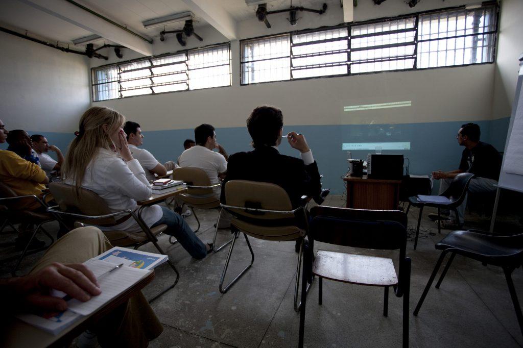 Encontro realizado no Presídio Masculino Adriano Marrey, em Guarulhos (2010).