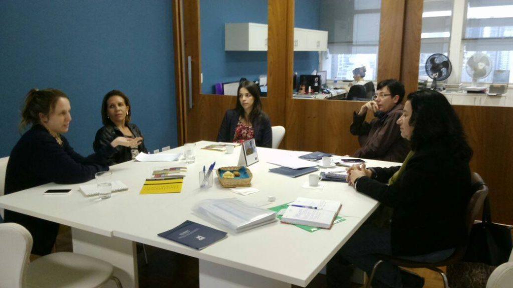 Reunião realizada entre o Fundo Brasil de Direitos Humanos e o IDDD, na sede do Instituto no dia 18 de maio.
